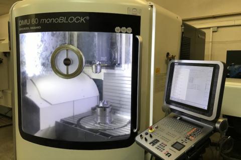 CNC obráběcí centrum DMG MORI - 5 osé
